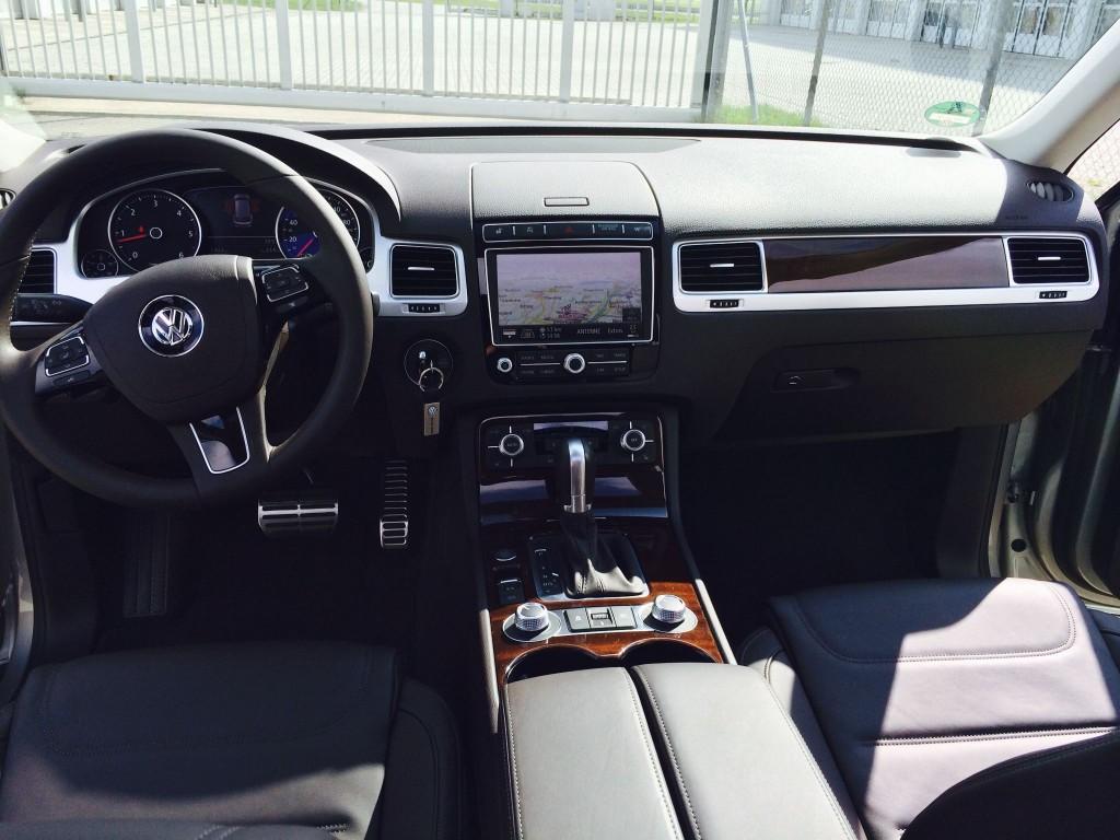VW_Touareg_2014 3-1-min