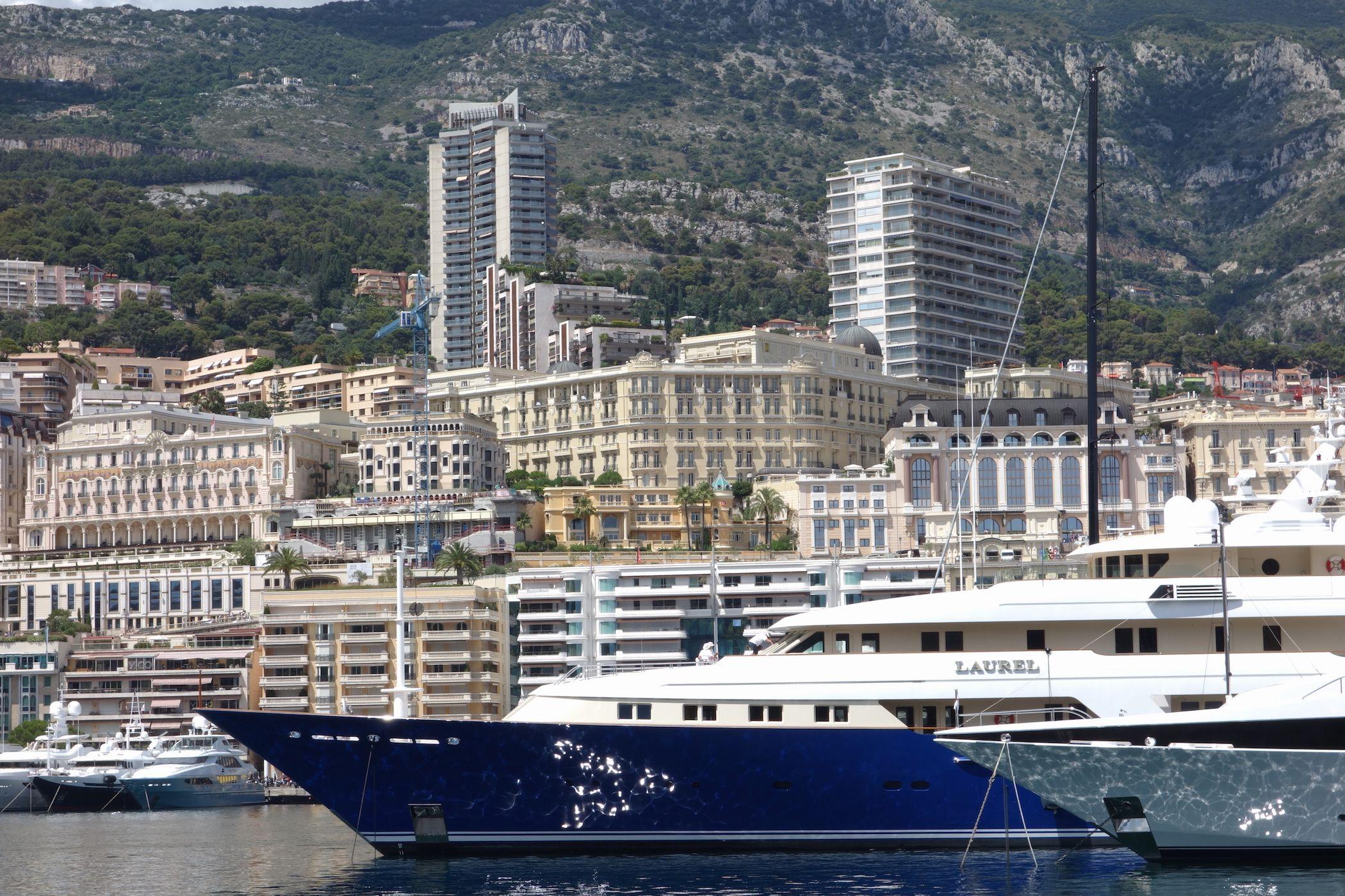 Promenade Durch Monaco Prunkvolle Yachten Teure Autos