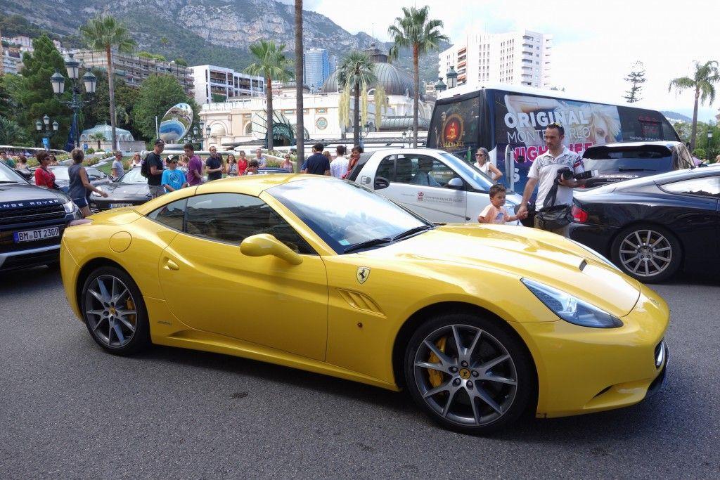 Ferrari beim beim Casino Monte Carlo