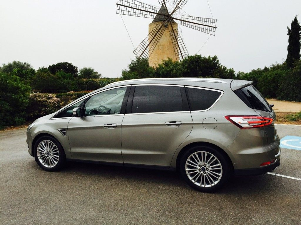 Ford S Max seitlich 2 (Large)