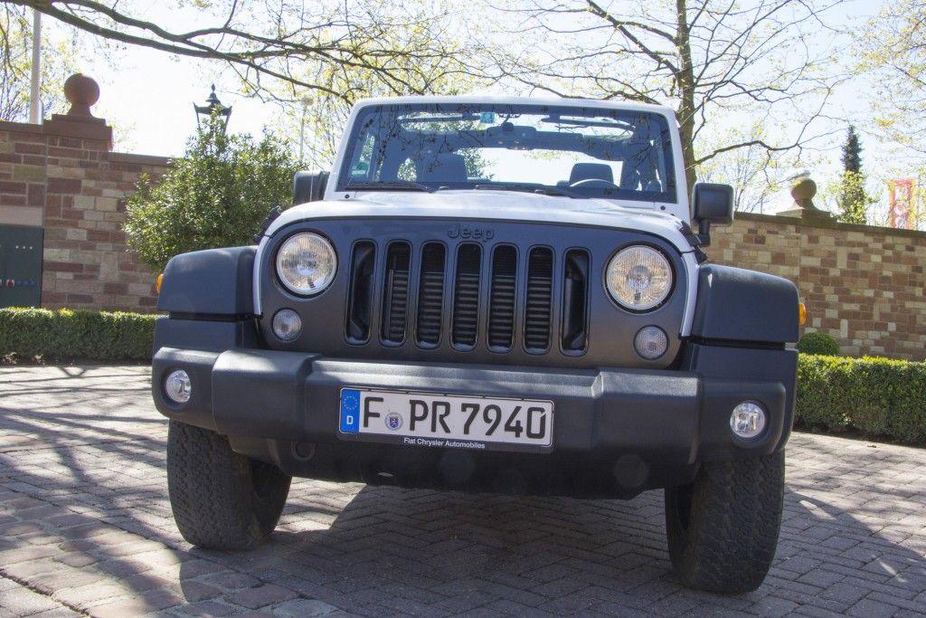 Jeep Wrangler Rubicon X Front
