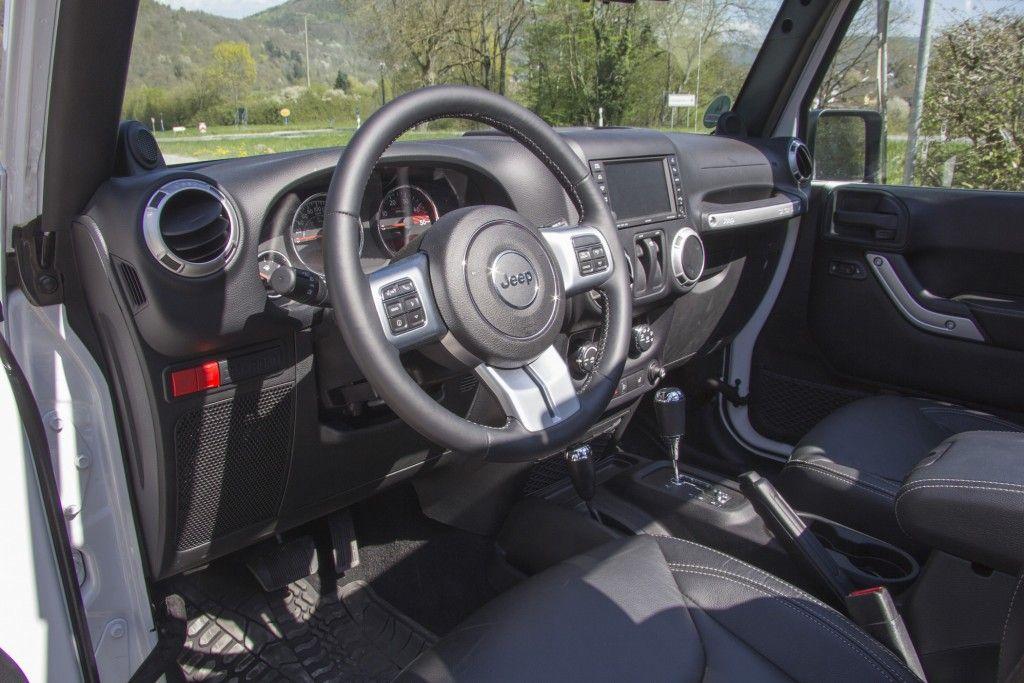 Jeep Wrangler Rubicon X Innenraum