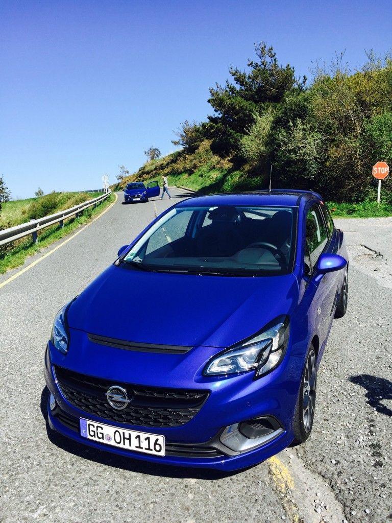 Opel Corsa OPC auf der Straße
