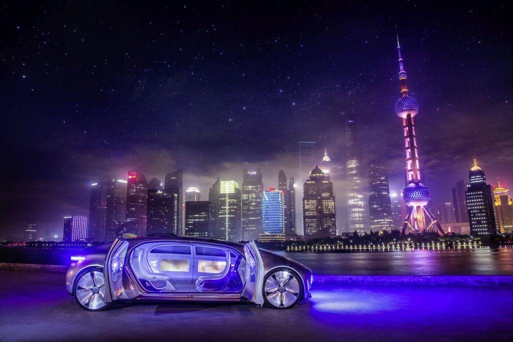 Mercedes-Benz F 015 Luxury in Motion in Shanghai, Mai 2015 Mercedes-Benz F 015 Luxury in Motion at Shanghai, May 2015