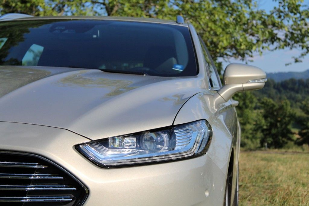 Ford Mondeo 2015 Adaptive LED-Scheinwerfer