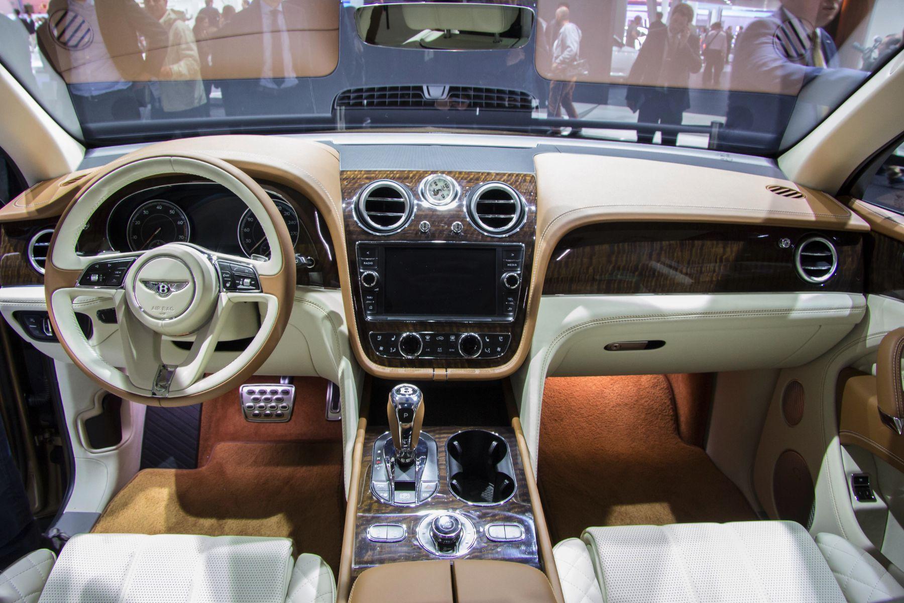 Bentley Verlangt 150 000 Euro Aufpreis F 252 R Eine Uhr Der