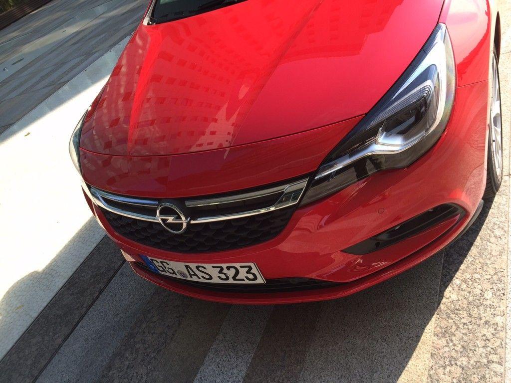 Opel Astra 2015 etail