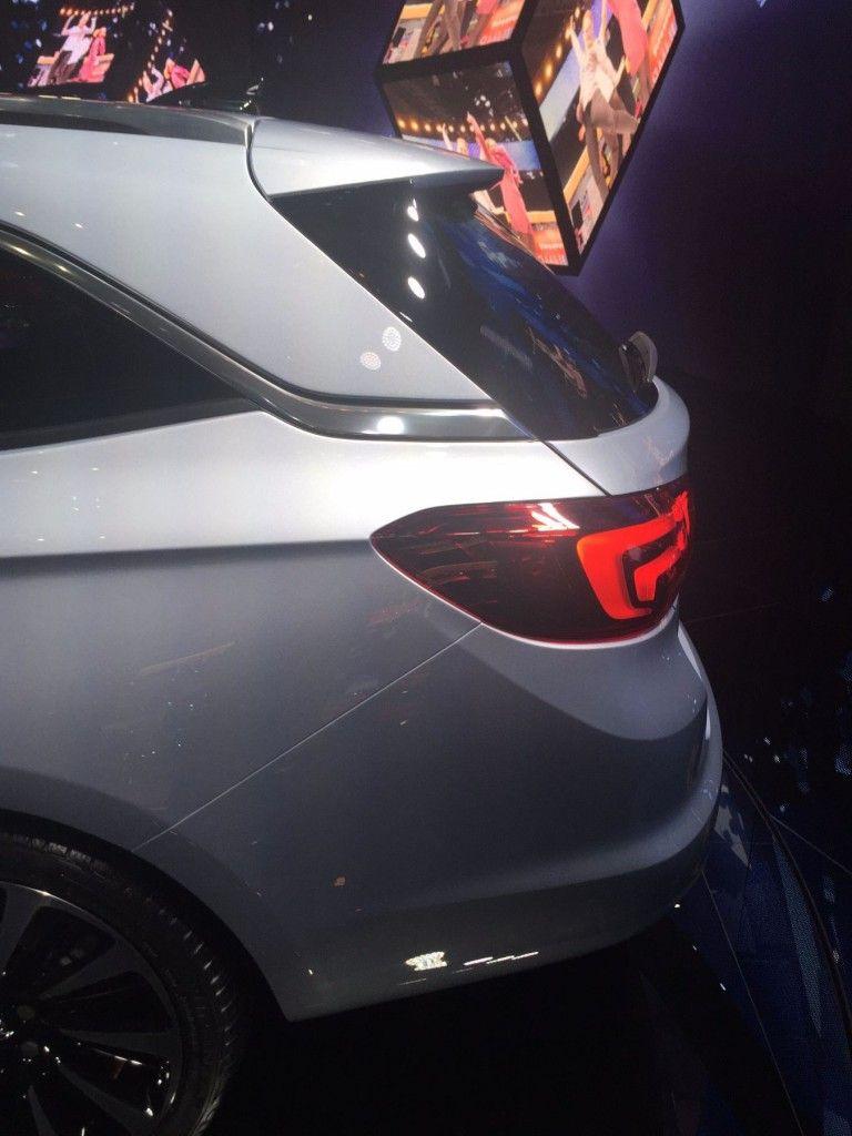 Opel Astra Sports Tourer 2015 Heck seitlich