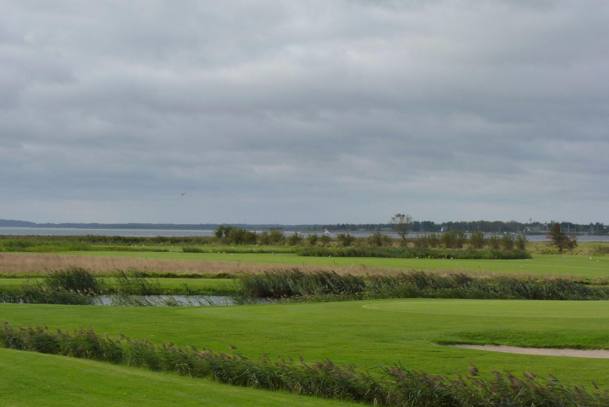 Golfplatz der dänischen Hafengemeinde Hals