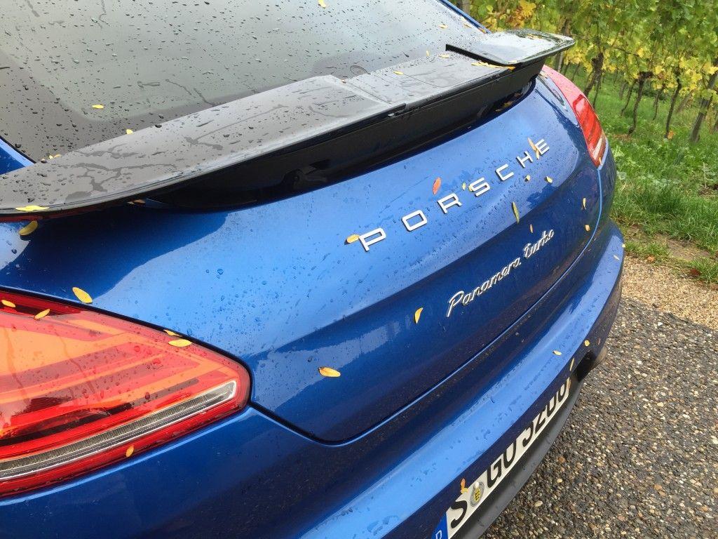 Porsche Panamera blau