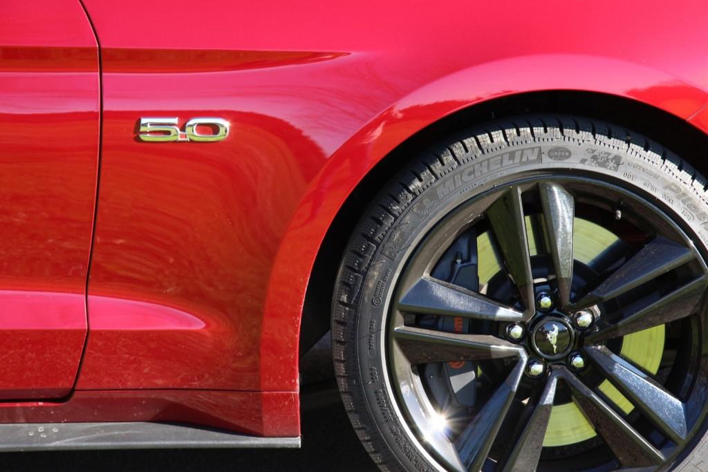 Ford Mustang 2015 5.0 Schriftzug