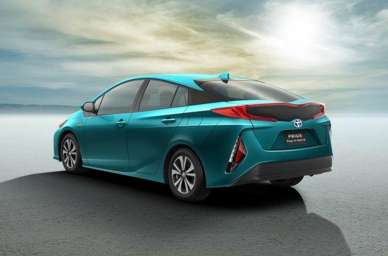 Toyota_Prius_Prime