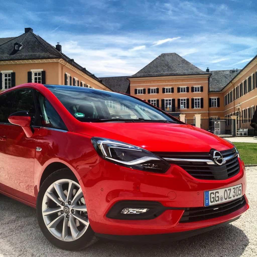 Opel Zafira Front