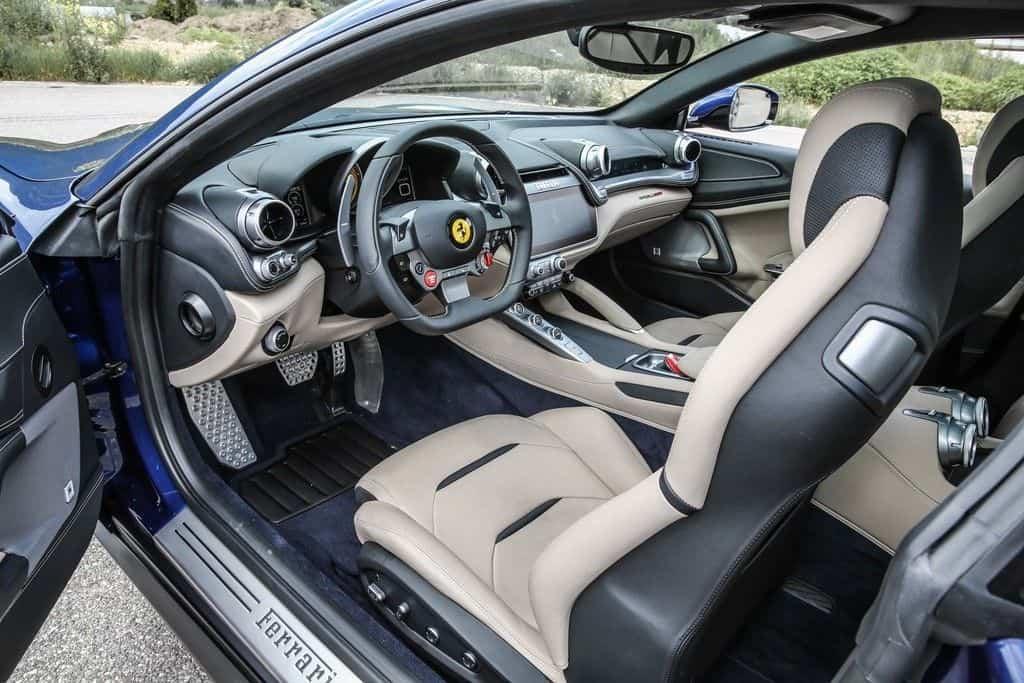 Ferrai GTC4 Lusso Innenraum