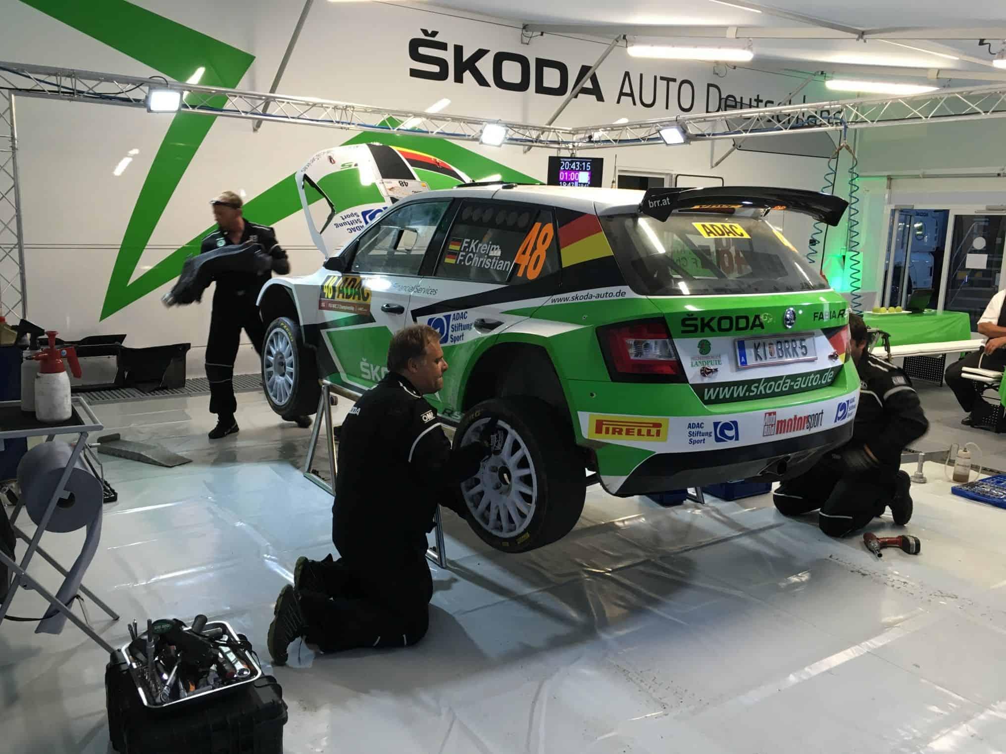 Führung für Andreas Mikkelsen bei der ADAC Rallye Deutschland | Der ...