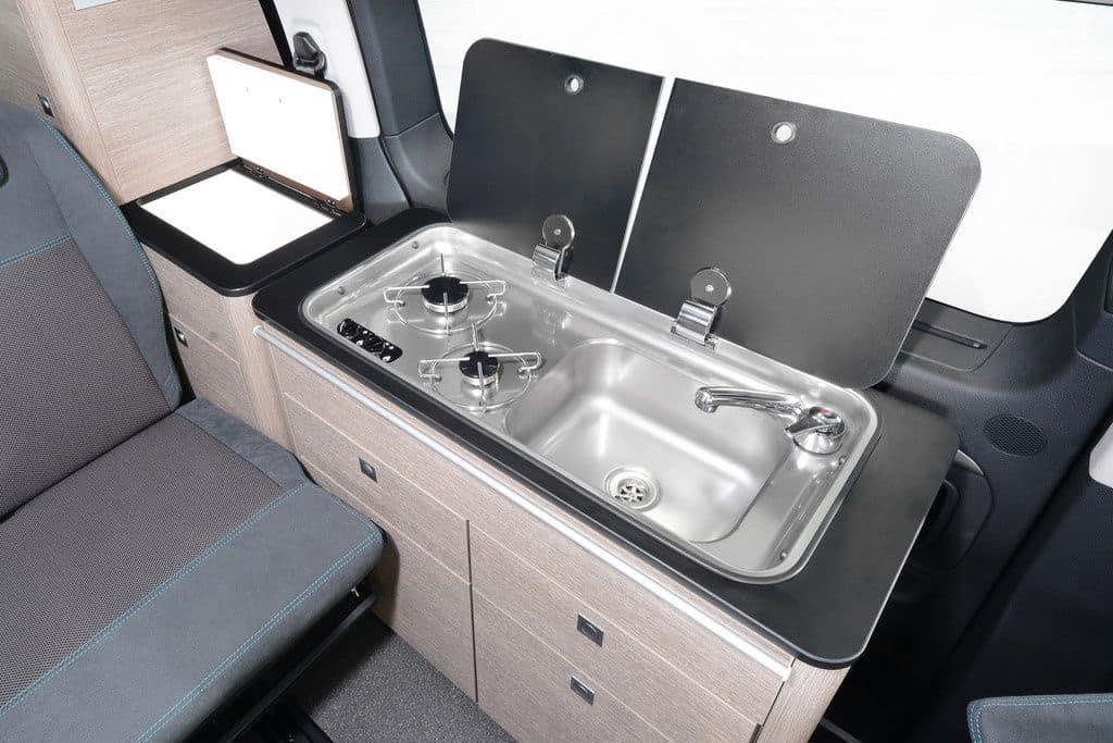 p ssl stellt alltagstauglichen campingbus in d sseldorf vor der. Black Bedroom Furniture Sets. Home Design Ideas