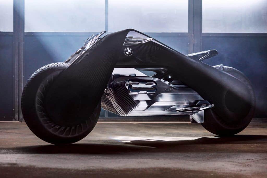 Boxer oder nicht? Der Motor soll seine Gestalt verändern. Wie er das macht, erfahren wir von BMW Motorrad aber erst in 100 Jahren.