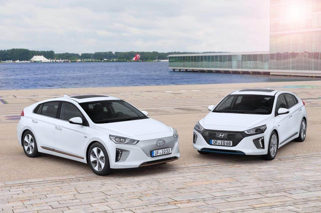 Hyundais zweiter Streich: Nach der Hybrid-Variante des Ioniq (rechts) startet jetzt der Vollzeit-Elektriker. © Hyundai