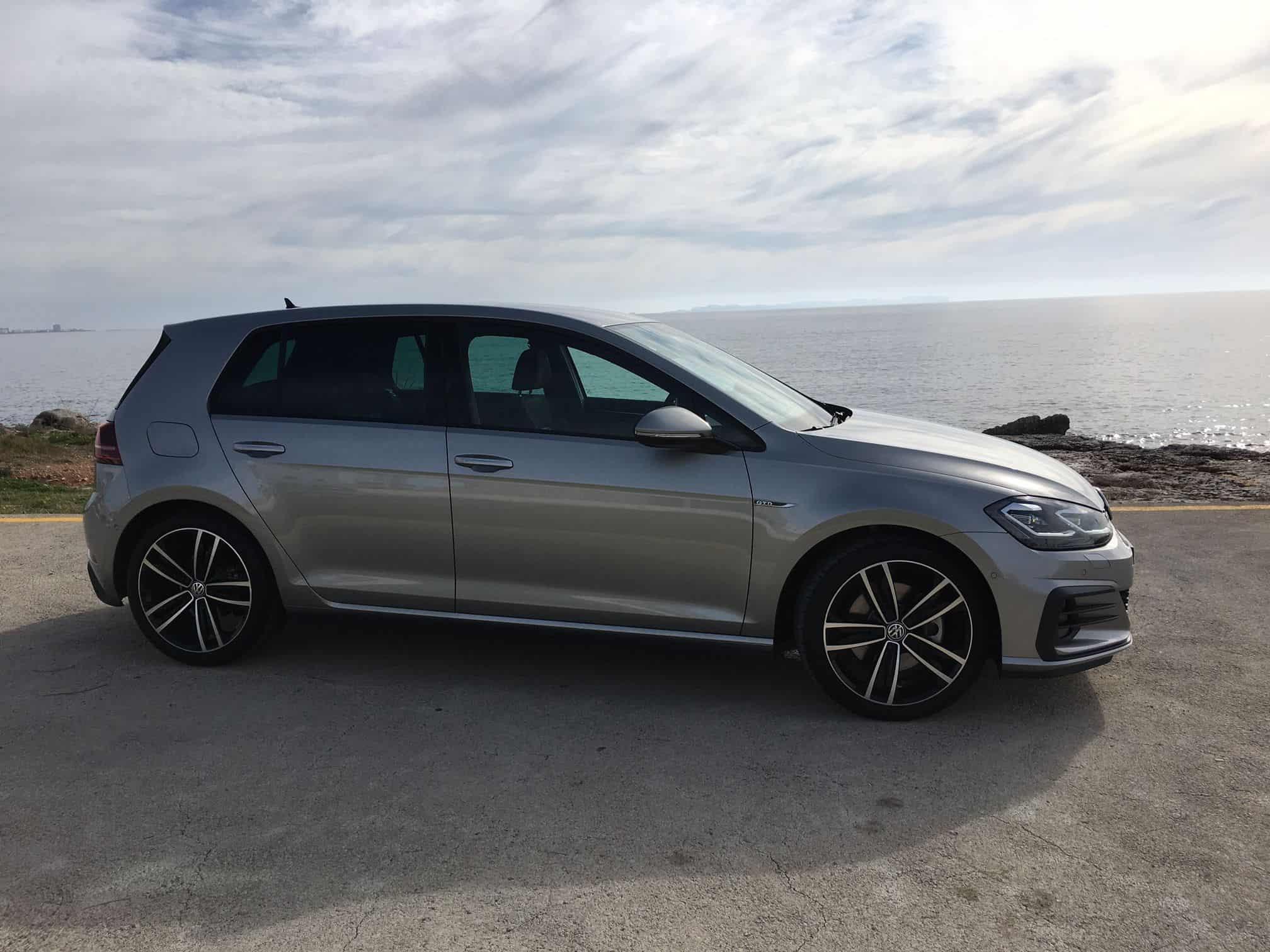 ... Glanz Und Eine Beeindruckende Tiefenwirkung. Mit Dieser Großen Auswahl  An Farben Und Materialien Trägt Volkswagen Dem Individualisierungstrend  Rechnung.