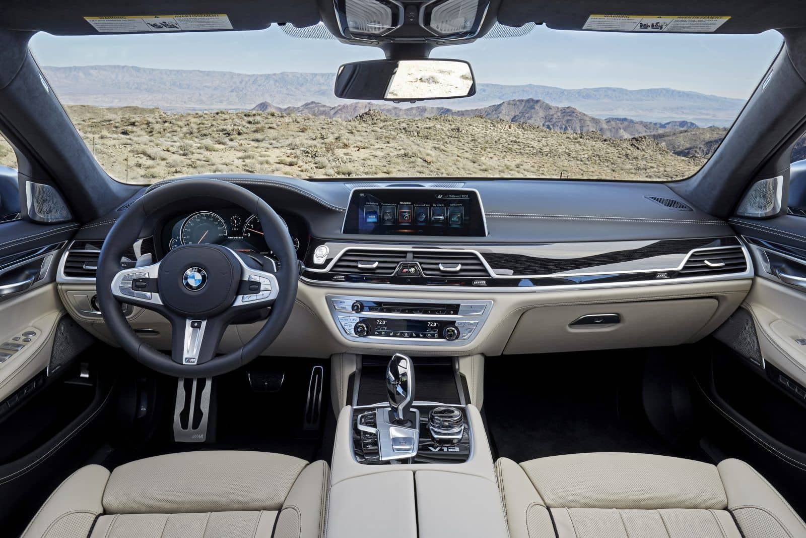 BMW M760Li XDrive Cockpit