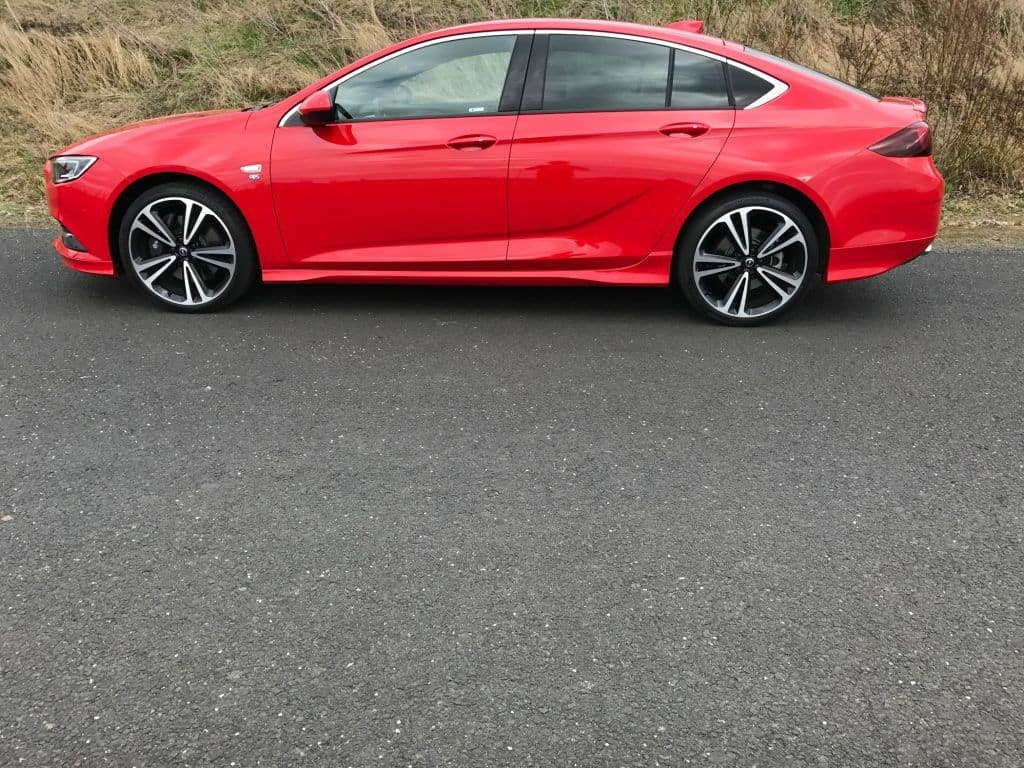 Opel Insignia Grand Sport 2.0 DIT 4x4 Seitenansicht