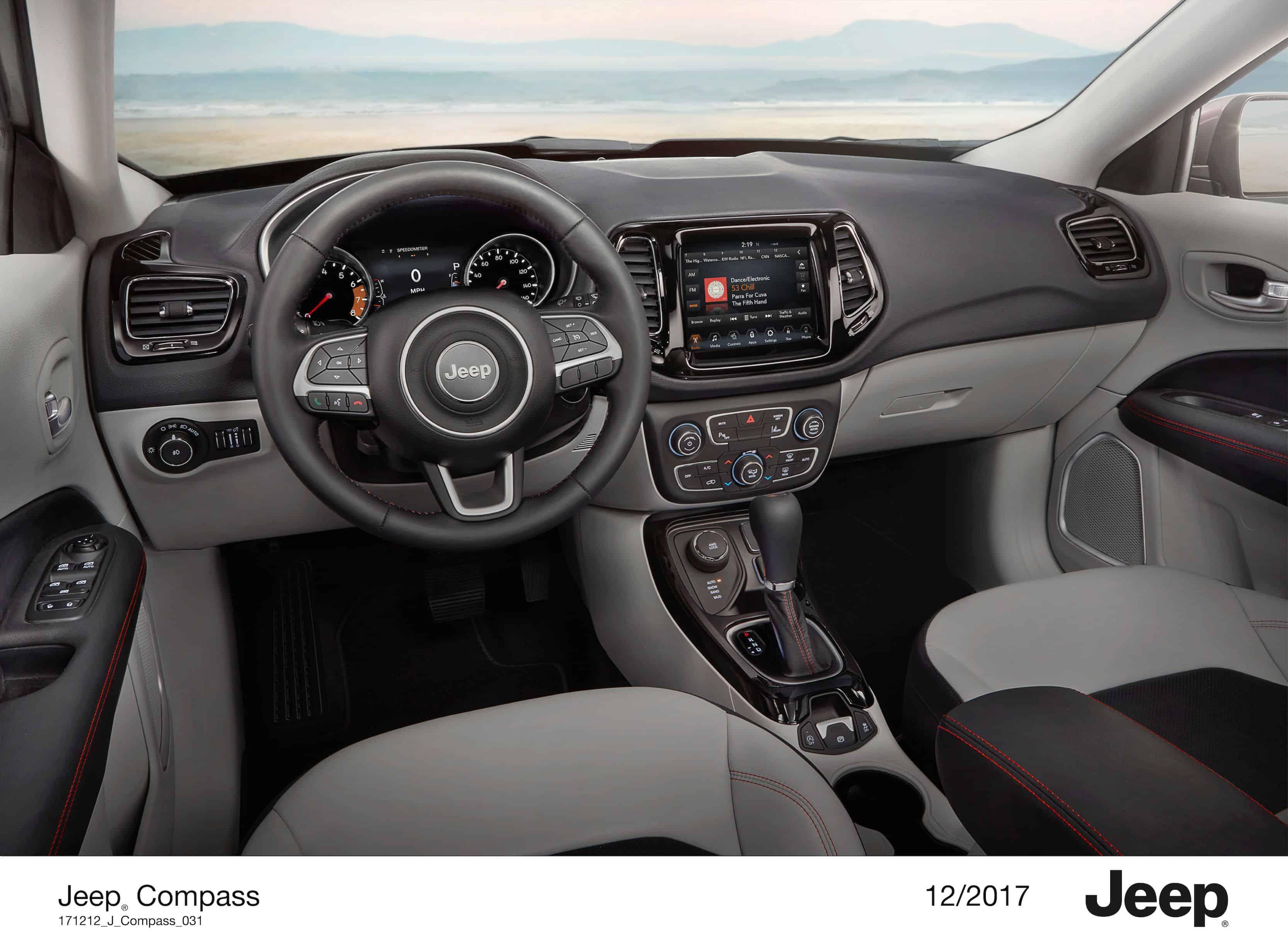 Jeep compass modell 2018 allrad wintertestfahrt im for Interieur jeep compass
