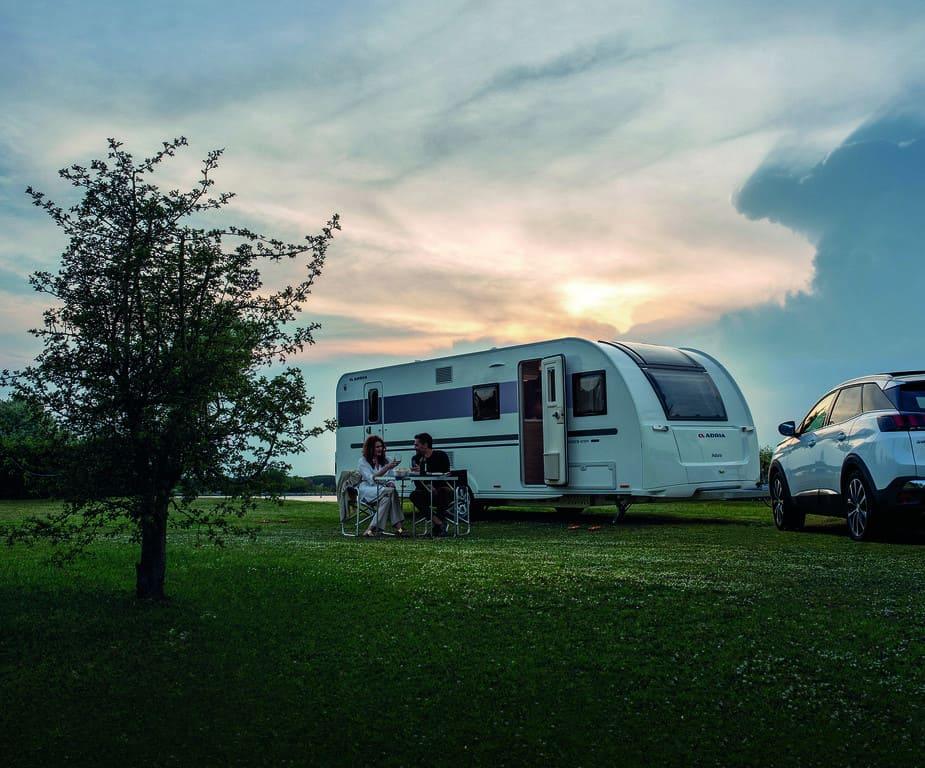 Wohnwagen Mit Etagenbett Und Separater Dusche : Adria adora pk wohnwagen mit zwei eingängen der autotester