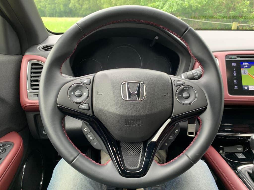 Honda HR-V Sport, Lenkrad