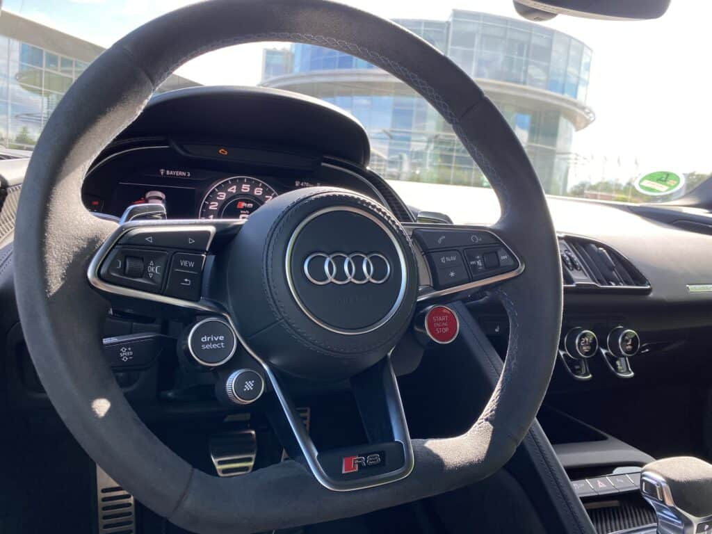 10 Fakten, die DU über DEN Audi R8 V10 Performance (620 PS) wissen solltest! - Fahrbericht   Review